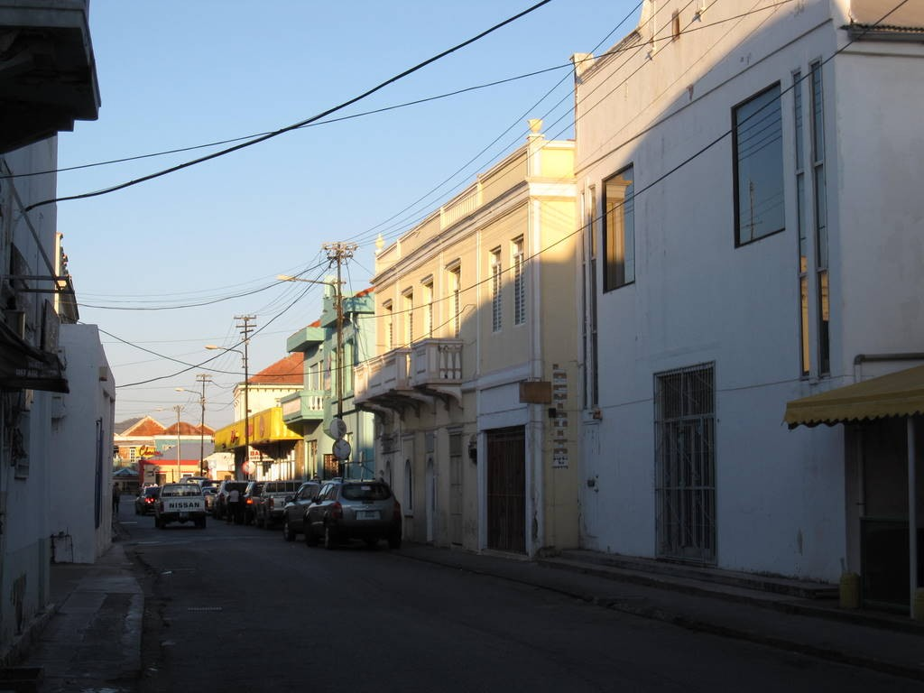 Street in downtown Oranjestad