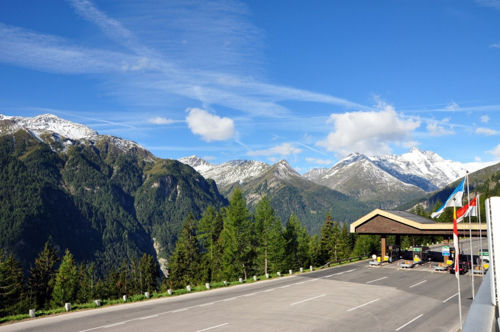 Toll station to get into the Grossglocker Alpine Road, Untertauern