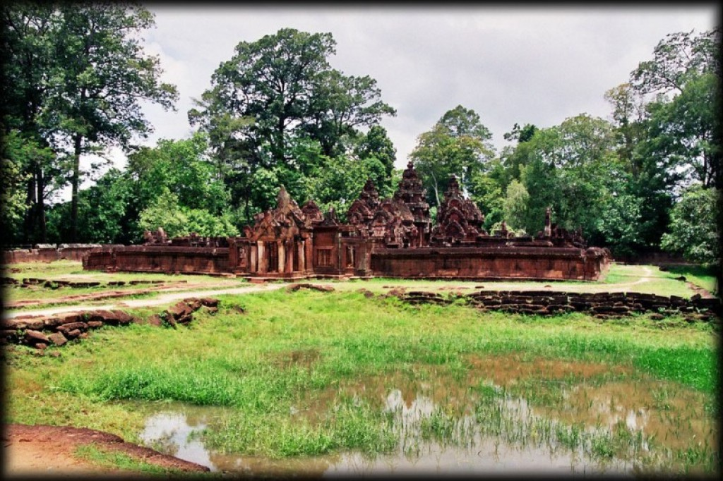 Banteay Srei is 35km northeast of the main cluster of temples.  It was built in the second half of the tenth century.  Although small, the carvings are exquisite.