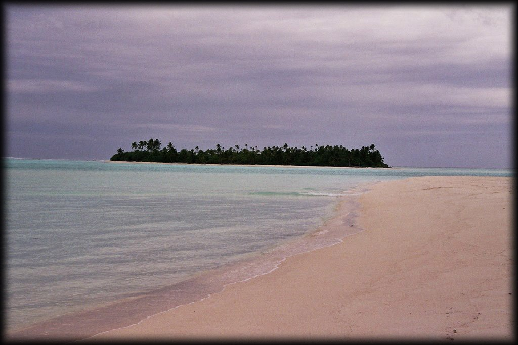 Since One Foot Island was closed due to Survivor: Cook Islands, we headed to Honeymoon Island.