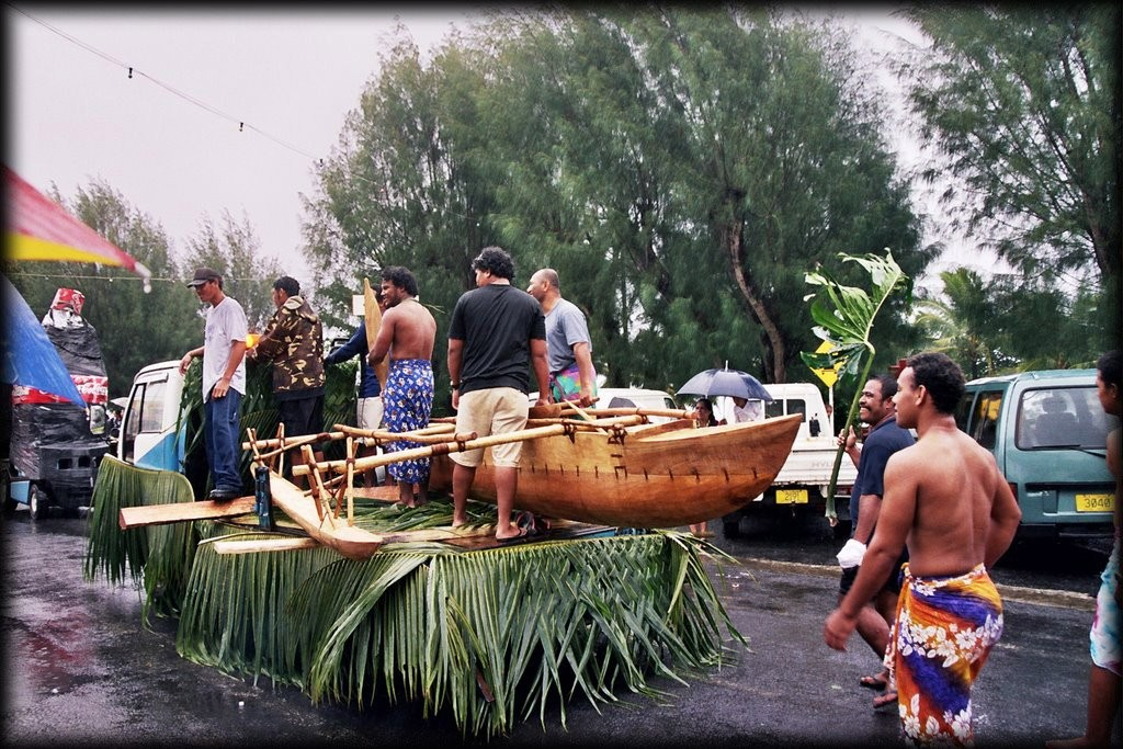 We were there for the very rained out Maeva Nui Festival.   Here are the floats - literally. They were supposed to use those canoes for the canoe race, but it was cancelled.