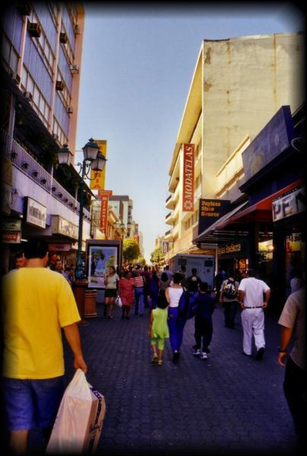 Back in San Jose, we went for a walk along Av. Central, the main shopping street.  American chains are everywhere.