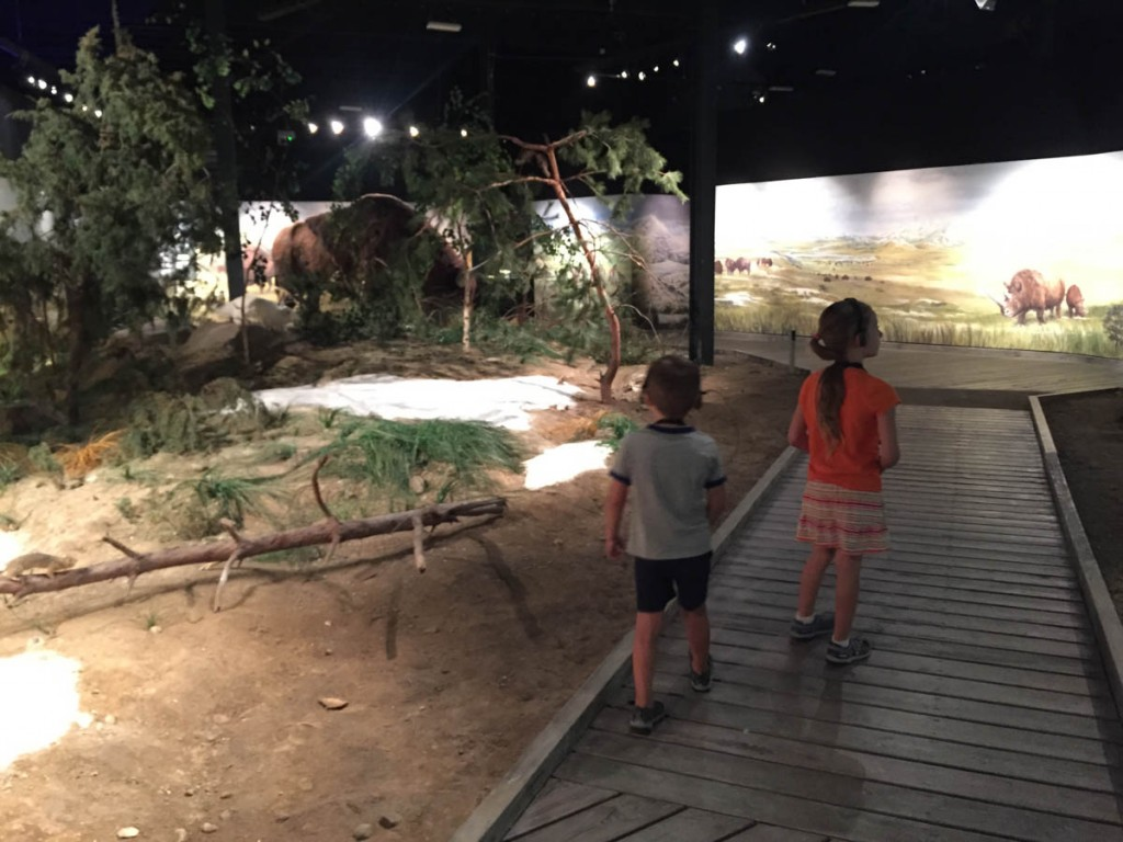 The main building has various kid-friendly reproductions of dinosaurs, mammoths, etc.