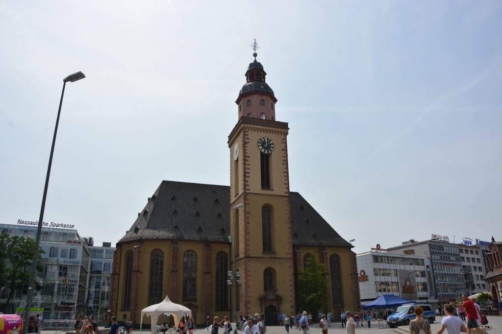 St. Catherine's Church is the largest Lutheran church in Frankfurt am Main