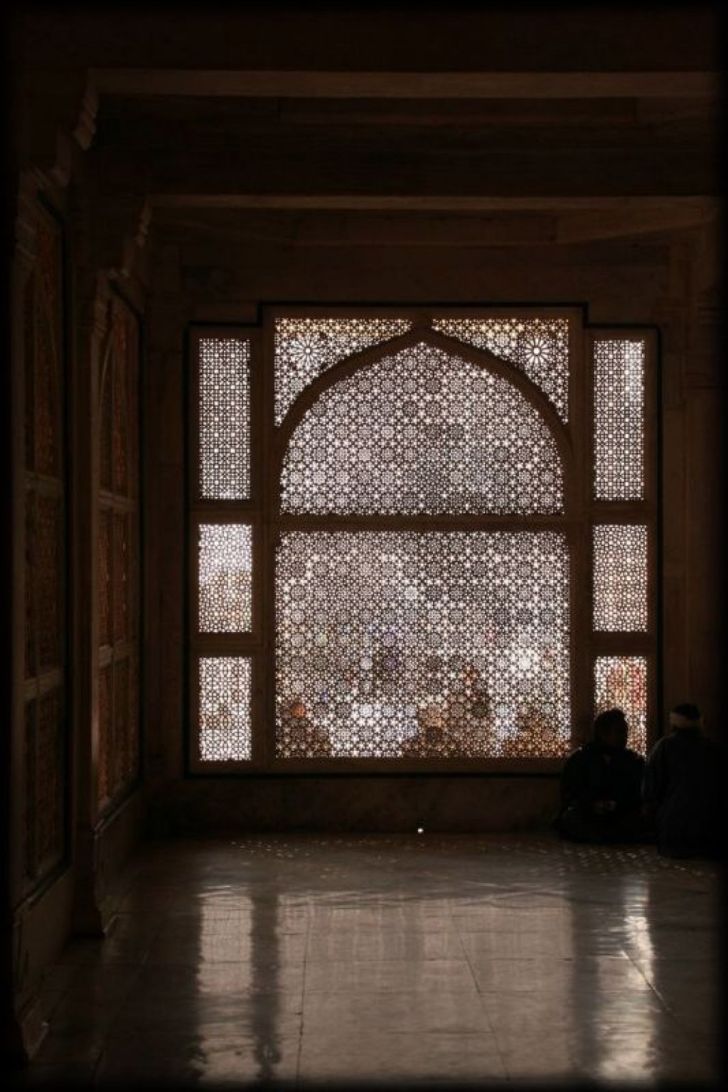 Just an hour outside of Agra, the abadoned town of Fatepur Sikri is well worth a visit.