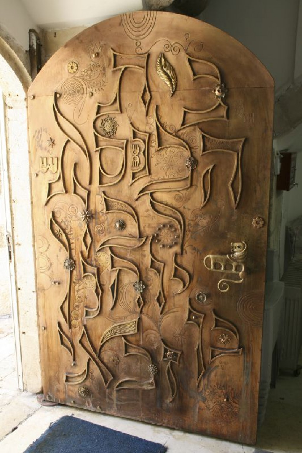 Door to the Ben Zakai Synagogue