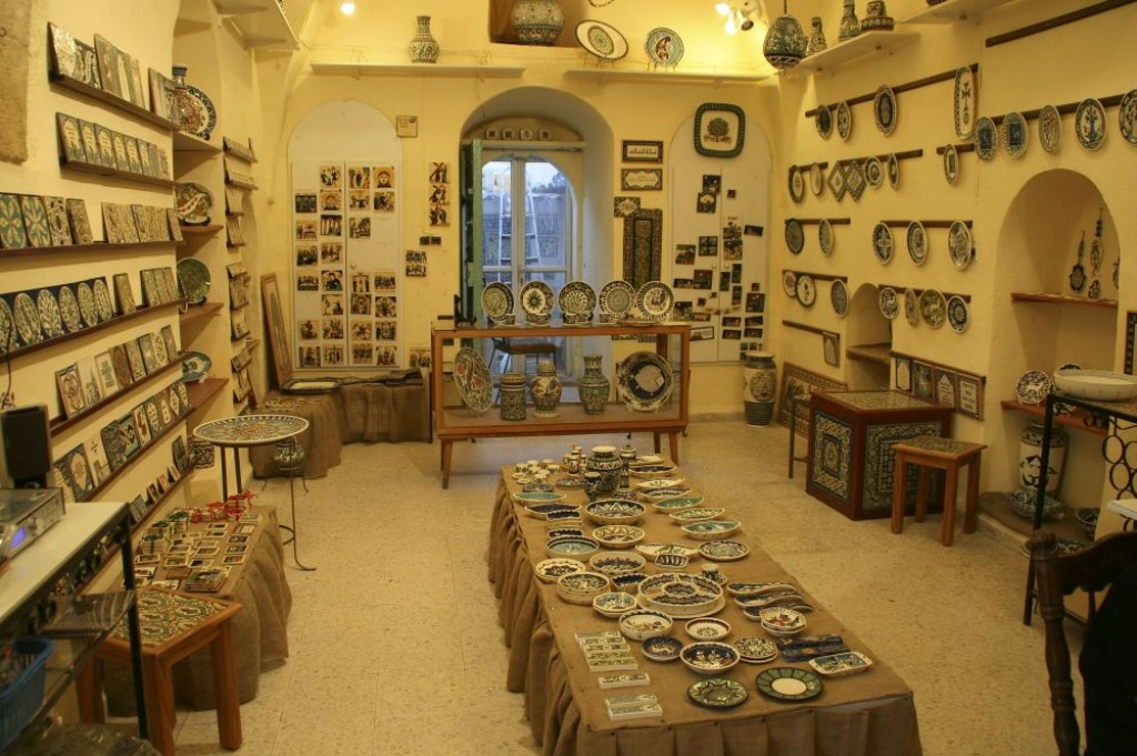 Sandrouni, a great pottery store in the Armenian quarter