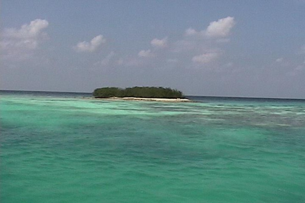 There were a few small islands just off shore, which could be kayaked or sailed to.