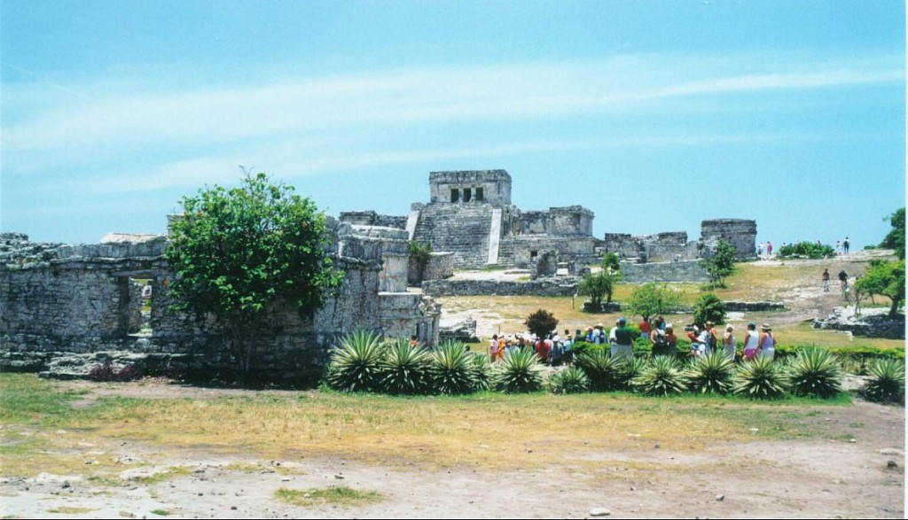 We took a guided tour of the Yucatan, organized by Club Med.  The tour was conducted in French.  We learned a lot of French in the Yucatan!  Our first stop on our tour of the Yucatan was Tulum.  Tulum is the only Mayan ruin that was built on the Carribean, and is a walled city.