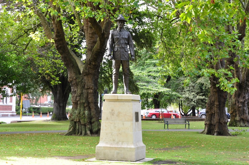 Statue of English Explorer, Captain James Cook, for whom the Cook Islands are named.