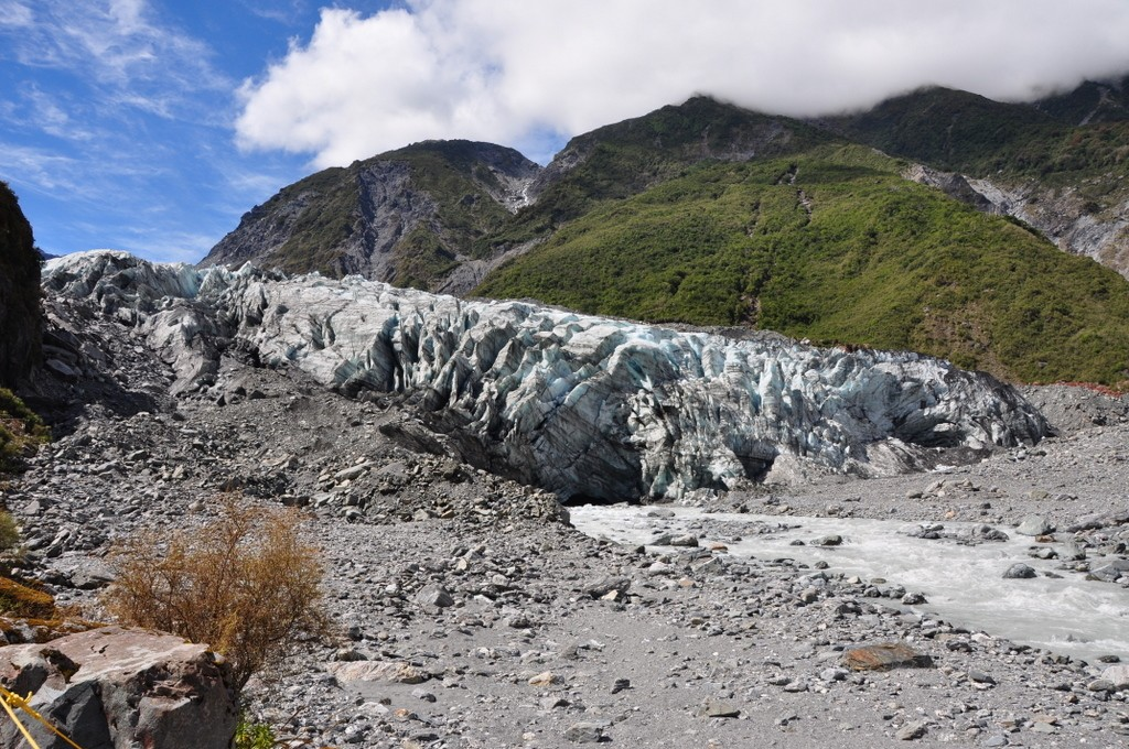 A short hike to visit Fox Glacier, the less popular cousin of Franz Josef glacier, but just as beautiful