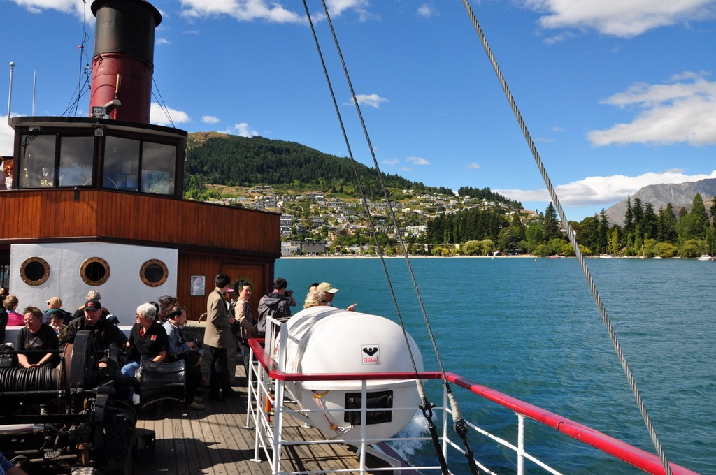 We took a cruise around Lake Wakatipu on the TSS Earnslaw, a steamer boat based in Queenstown.  It was a very pleasant trip, and we enjoyed the scenery, and checking out the boat itself.