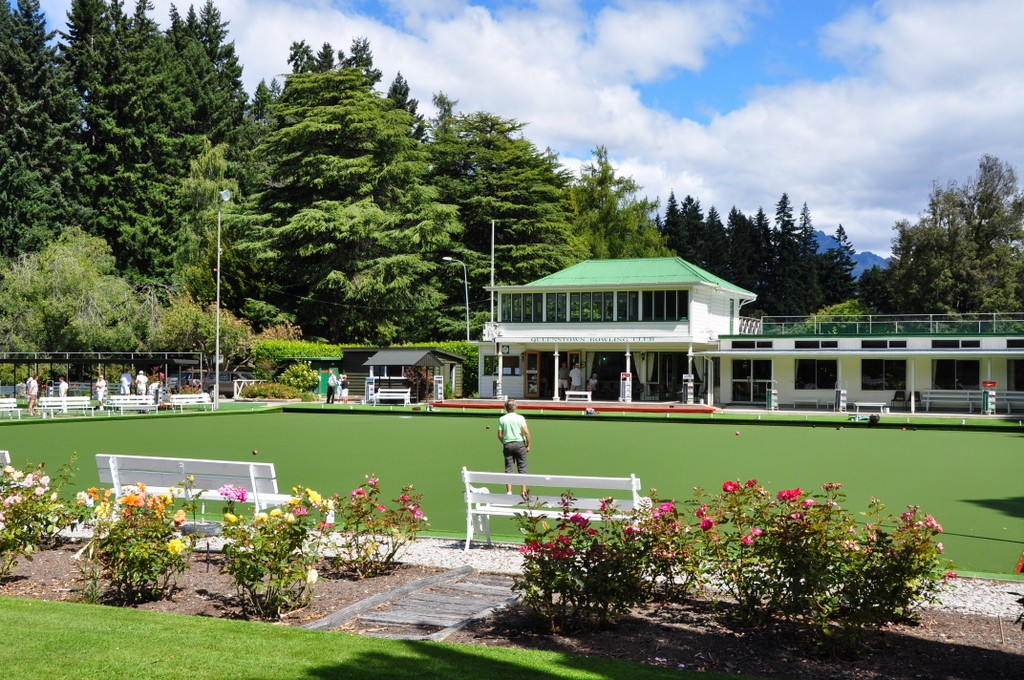 Lawn bowling in the gardens