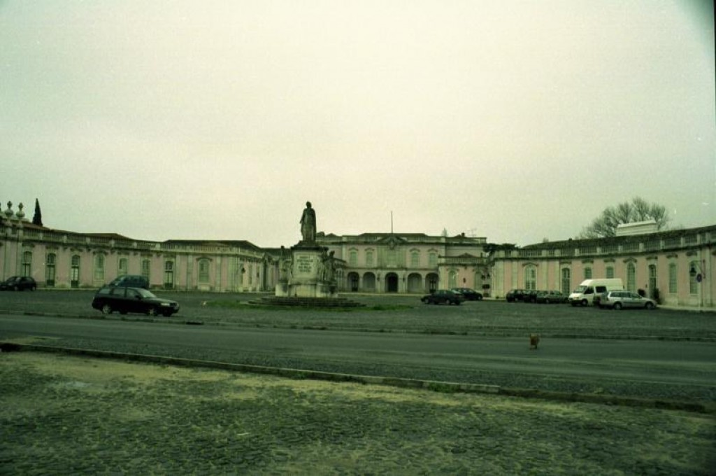 The Palacio Nacional de Queluz didn't look like much from the outside.  And it wasn't certainly easy to find.