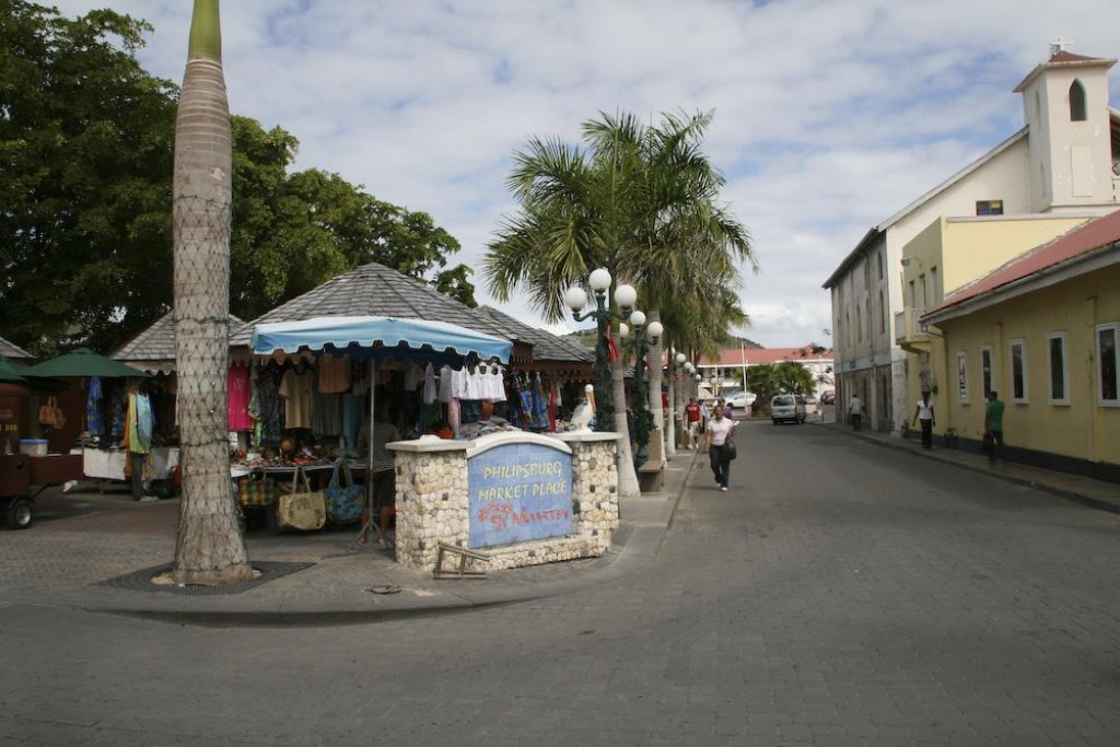 We walked around the Philipsburg market area and checked out the overcrowded but beautiful beach and the boardwalk.