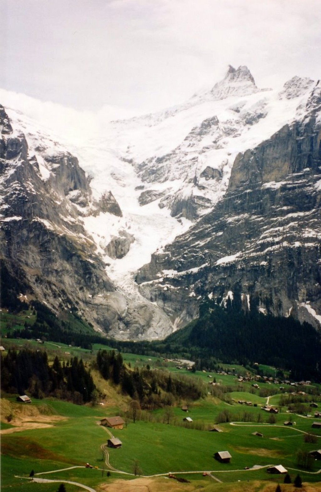 Hiking down from the Jungfrau