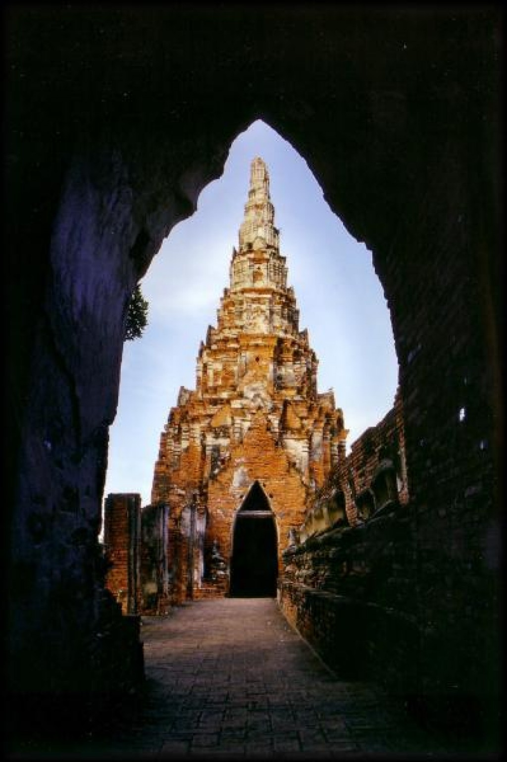 This is the Whan Phra Mongkhon temple just outside Wat Phra Si Sanphet.
