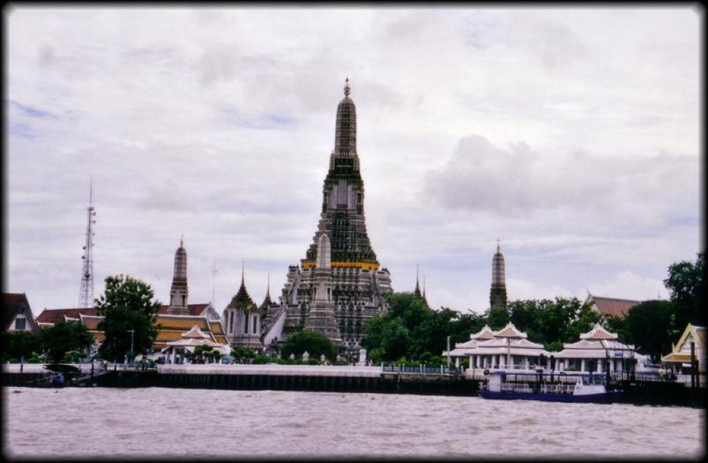 Wat Arun is a short hop across the river.  It is built in the Ayutthaya style.