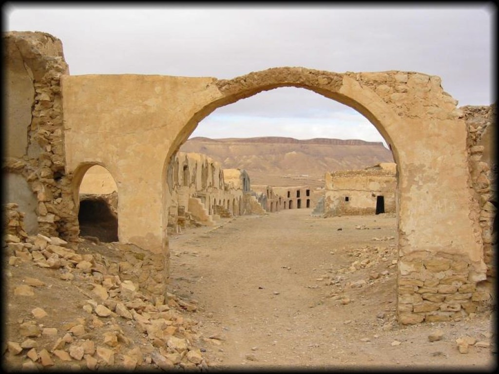Still in the Ksar Ouled Debbab.