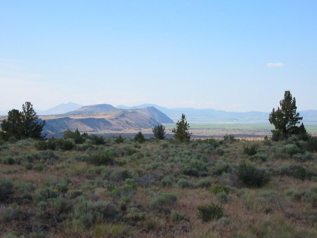 We drove from Mount Shasta to Lava Beds National Monument, which is on the California/Oregon border.  The park is mostly miles of caves which you can explore by yourself.