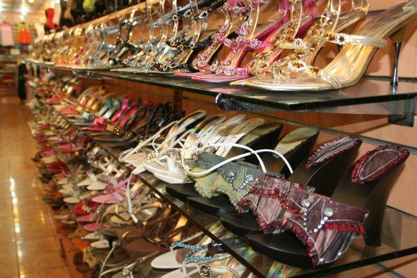 Ian and Wendy's Travel Blog Bur Dubai Souk and Karama Shopping