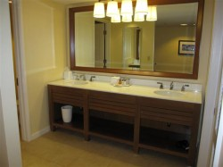 Nice bathroom at the Sheraton Kauai