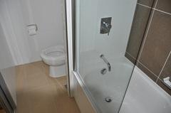 Novotel Christchurch bathroom